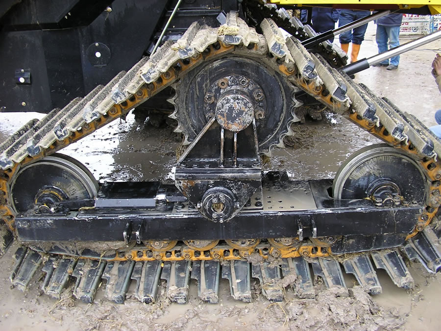 rubber-track-for-combine-13